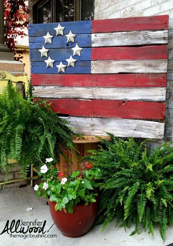 Pallet Flag, Best 4th of July Decor Ideas via A Blissful Nest