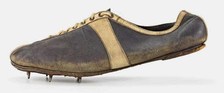 hans woellke: modell waitzer – 1936, shot put shoe worn at the olympic games in berlin shoe size: 10,5 (uk), 267 g
