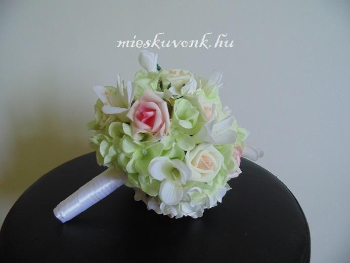 Hortenzia-rózsa menyasszonyi csokor (M)