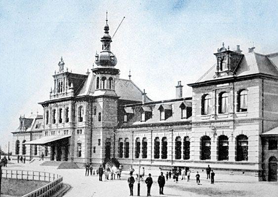 Het Station Delft ca. 1850  -  een monument !
