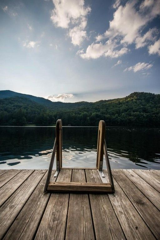 Peaceful Mountain Lake Side Home, swimming, fishing, boating, country sunsets