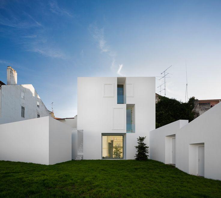 House in Alcobaça AIRES MATEUS ASSOCIADOS