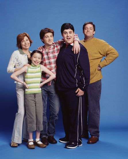 First Season Promo Pic  Look How Awkward They All Were  One of the Best Shows Ever!  Drake and Josh
