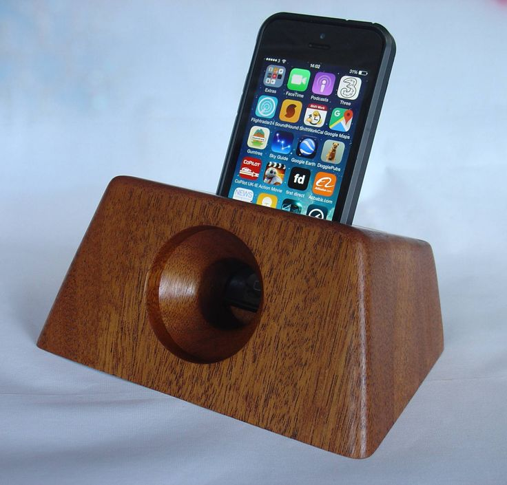 iPhone docking station and acoustic amplifier. Fits all iphones except 6 plus (30.00 GBP) by WickedWoodcrafts
