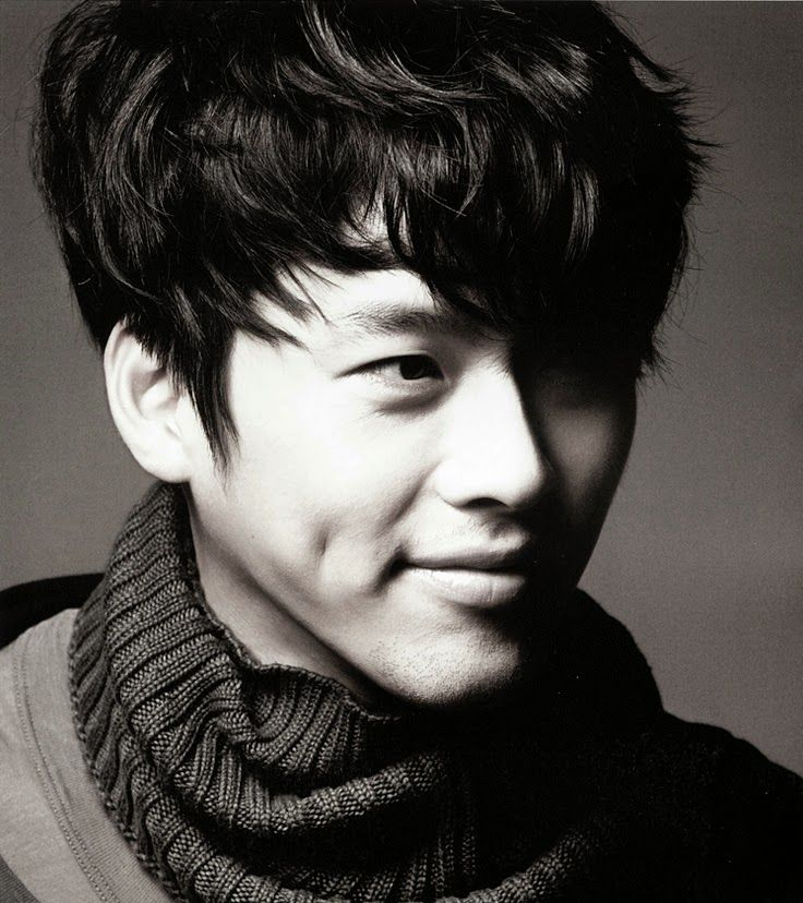 "Hyun Bin, actor, ""Secret Garden"" Love the dimple!"