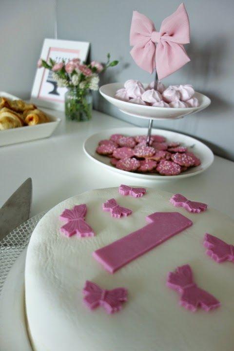 DecoDreamer's Diary: birthday, synttärit, syntymäpäivät, first birthday, ensimmäiset synttärit, party, kids, juhlat, lapset, perhonen, pinkki, butterfly, pink, cake, kakku