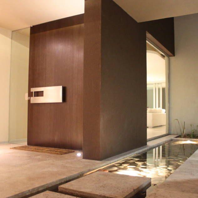 Las 25 mejores ideas sobre puertas de entrada modernas en for Ver interiores de casas modernas