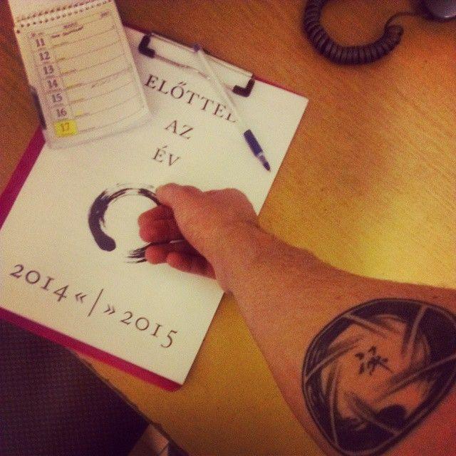 """""""Előtted az év #yearcompass #evrendezes #eviranytu #tatoo #pink #atwork @kedinak @pettycicuk"""""""