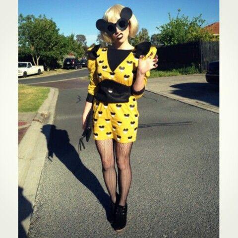 Lady gaga paparazzi yellow dress