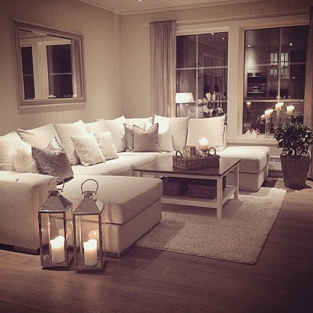 Cozy Living Room | Plus pillows | Lanterns | Candles | Big Windows | Mirror
