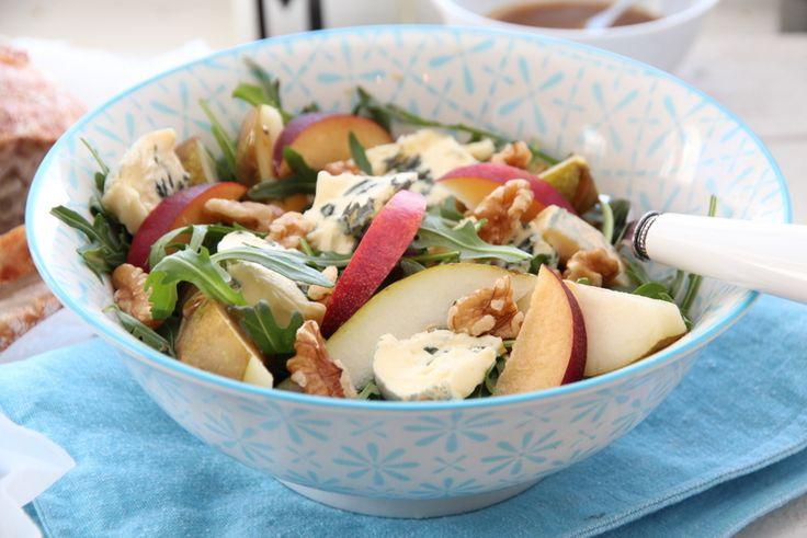 Salat med ruccula, pærer, Castello Blå og valnøtter - TRINEs MATBLOGG