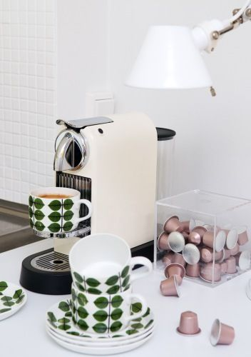 Inbound Thread blog - like these vintage looking cups and the cool coffee maker