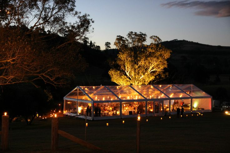 Absolutely loving this exterior shot of a clear roof marquee! What an atmosphere!
