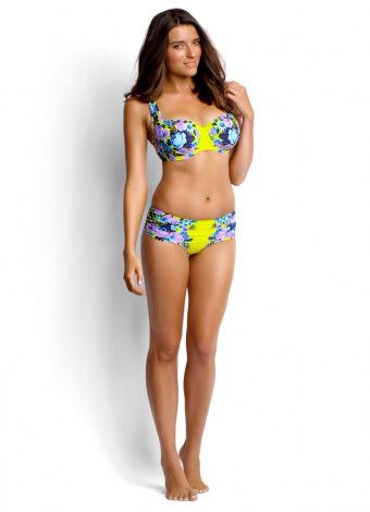 Love the fit of this gorgeous bikini for a bigger bust x
