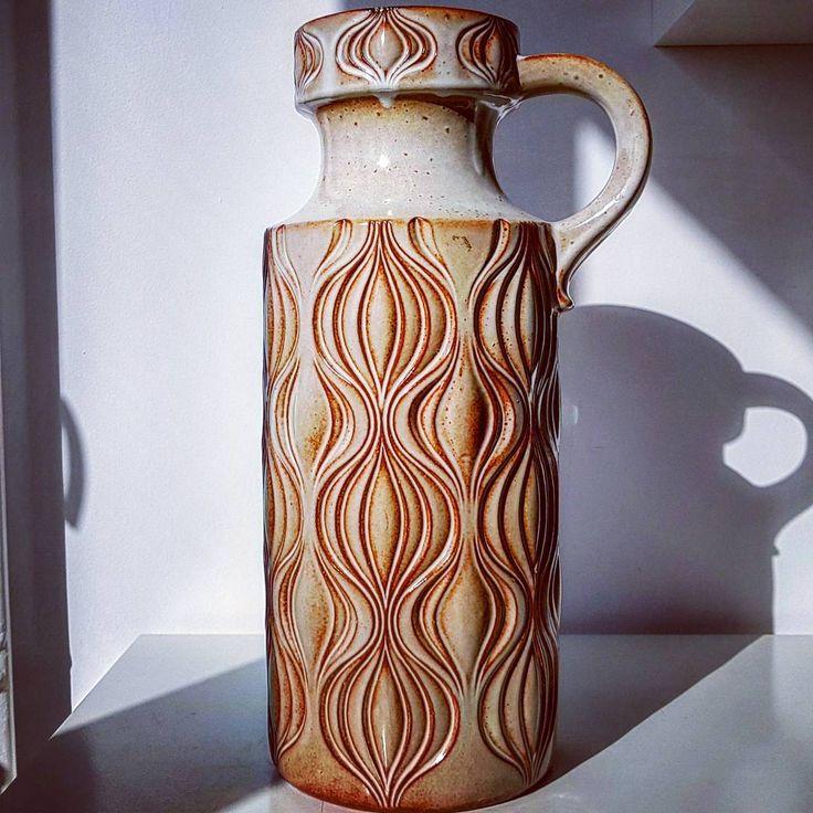 """Polubienia: 51, komentarze: 2 – modern (@modern_old2new) na Instagramie: """"Scheurich floor vase #scheurich #amsterdam #onion #floor #xl #vase #handled #brown #wgp…"""""""