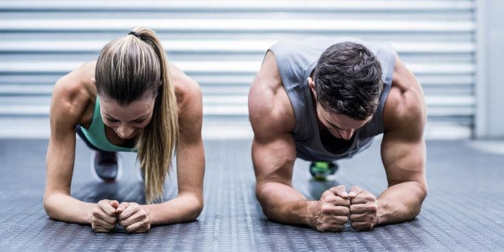 De perfecte calorieverbrandende workout die je met een vriend(in) kunt doen | Women's Health