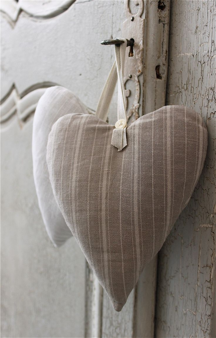 Stylish and subtle way to fragrance your home. Sweet smelling ‪#‎lavender‬ hearts with pearl button and cross stitch design #PearlGrace ‪#‎AccessoriesForTheHome‬ Find out more: http://www.pearlgrace.co.uk/product/lavender-heart