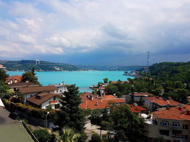 The Bosphorus has changed its color to Turquoise because of some Algae. Here's the current look in HDR. [2490x1867]