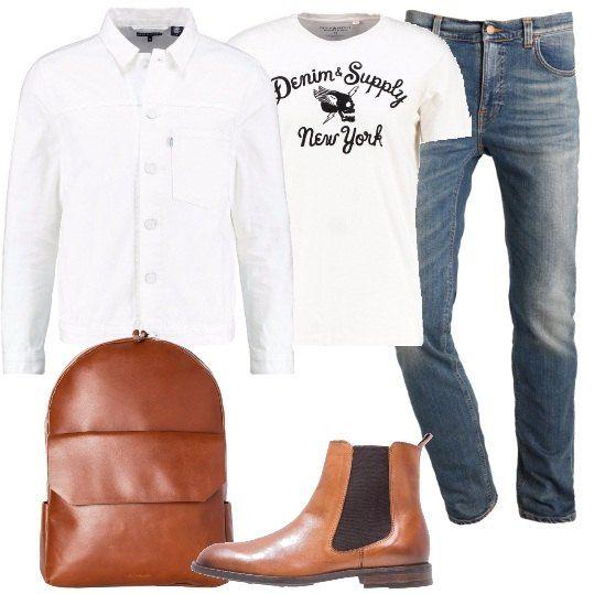 Uno zaino in pelle, color cognac abbinato a degli stivaletti in tinta, in pelle. Come capi da abbinare, propongo un paio di jeans, una t-shirt con stampa, color crema e un giubbino in jeans bianco.