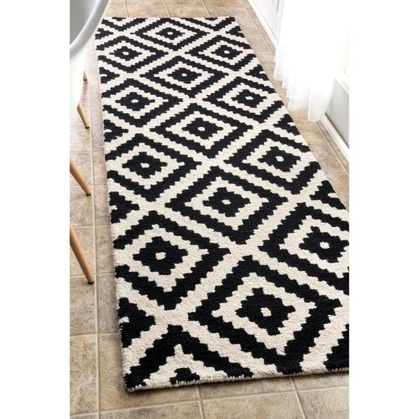 nuLOOM Handmade Abstract Wool Fancy Pixel Trellis Runner Rug (2'6 x 8')