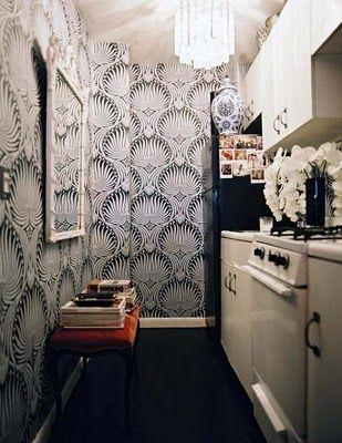 cute lil' kitchenKitchens Spaces, Farrow Ball, Tiny Kitchens, Small Kitchens, Wallpapers, Cozy Kitchens, Small Spaces, Galley Kitchens, Laundry Room