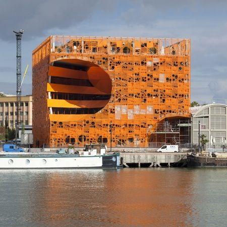 Le Cube Orange par Jakob + Macfarlane