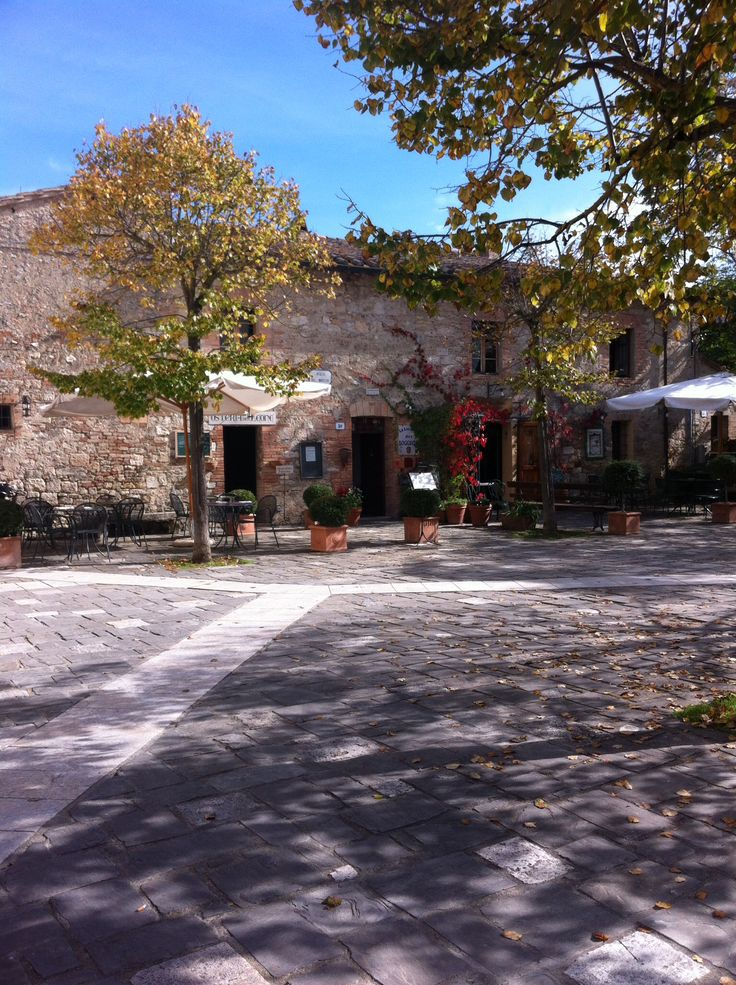 The entrance of our b&B in the beautiful Piazza del Moretto!  http://www.loggiato.it/en