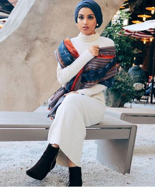 winter-hijab-dress-with-ankle-boots- How to wear ankle boots with hijab http://www.justtrendygirls.com/how-to-wear-ankle-boots-with-hijab/