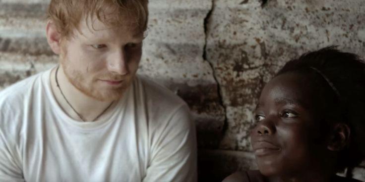 Ed Sheeran visita crianças órfãos da Libéria e se emociona ao cantar - vem assistir