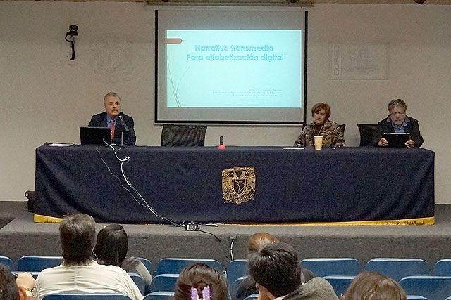 """Seminario: Visiones sobre Mediación Tecnológica en Educación, Dr. Enrique Ruíz-Velasco Sánchez: """"Narrativa transmedia para alfabetización digital"""". Sexta Sesión, 27 de octubre de 2014."""