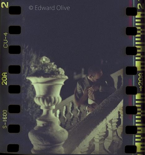 """""""Vase & stairs 2am"""" Canon EOS A2 EF 85mm f1.2 L II Fuji Press 1600 35mm 20a - Edward Olive Fotografo di matrimonio"""