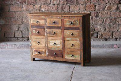 Byrå av återvunnet trä - tolv lådor