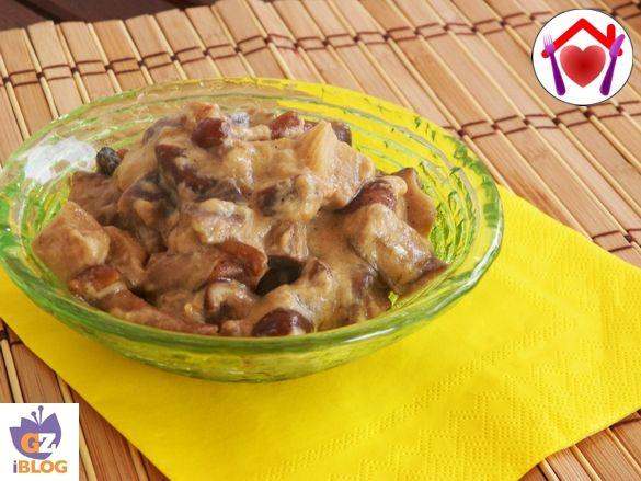 Questi semplici funghi in salsa sono ottimi per accompagnare una bella bistecca o una tagliata di manzo.