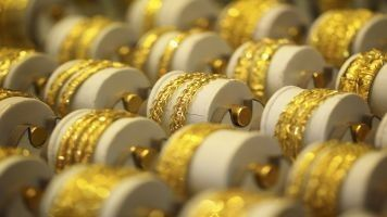 Gold prices on MCX gained on Monday. MCX Gold December contract was trading at Rs 27204 up Rs 124, or 0.46 percent.  At 10:40 hrs MCX GOLD October contract was trading at Rs 26996 up Rs 98, or 0.36 percent. The GOLD rate touched an intraday high of Rs 27035 and an intraday low of Rs 26937.