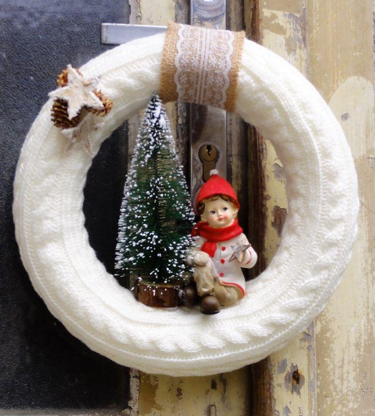 Opletený+věneček+Opletený+vánoční+věneček+s+krásnou+retro+figurkou.+Velikost+27cm.
