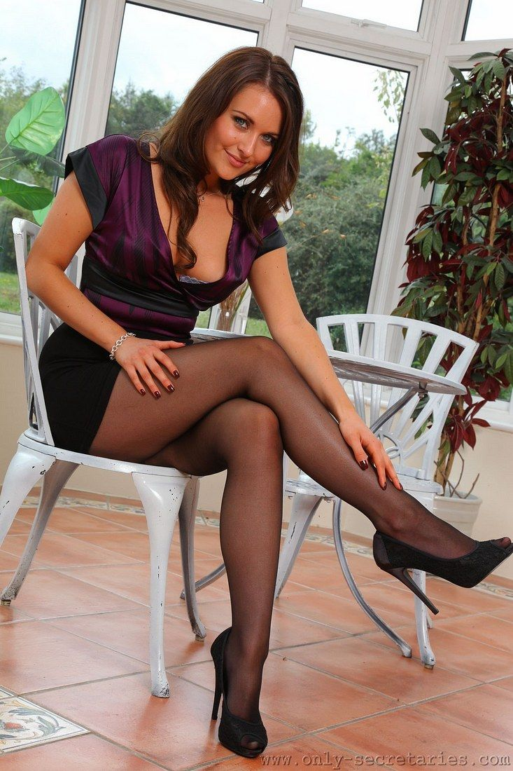 Final, Long legs and pantyhose and upskirt photos