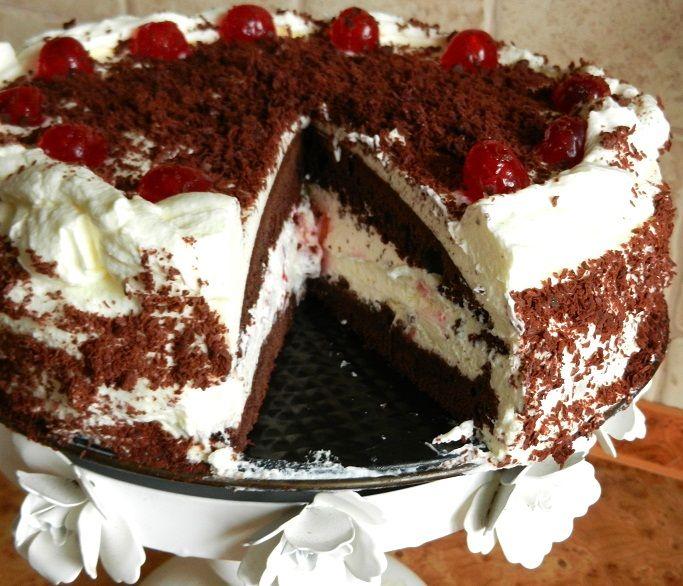 Tort śmietanowo czekoladowy z wiśniami kandyzowanymi...