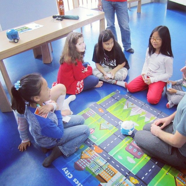 Yes we played and learn with children of 4-6 years old #plobot #shanghai #education #edtech