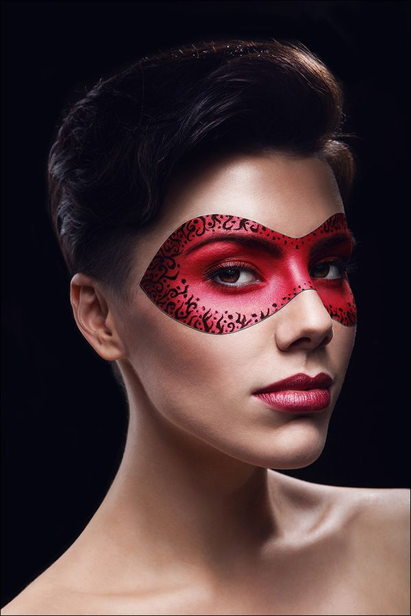 portrait of beutiful woman in red leather mask by Stas Ponomarencko, via 500px