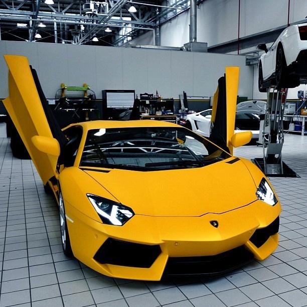 Lamborghini Aventador - Class!