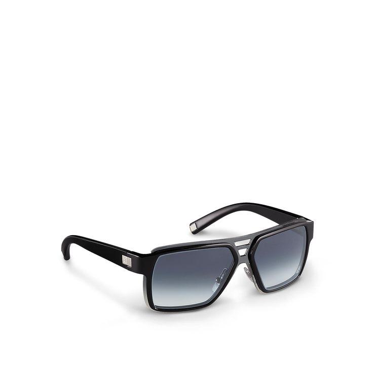Les lunettes de soleil noires, sont très chouette et à la mode. Il sont très cher parce que le designer est Louie Vuitton. Il est génial et élégant. Enfin, il coute quatre six quatre-vignt dix-neuf.