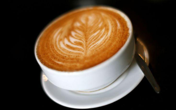Πώς επηρεάζει ο καφές τα κιλά μας