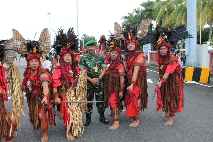 kabasaran dancer, in Manado, North of Celebes.  am so excited look them, so unique. only in #INDONESIA