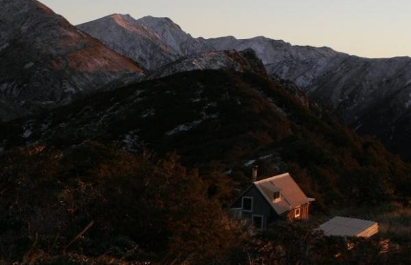 Ngamoko Hut Rauhine Ranges