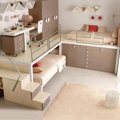 #Raumlösung Für #Schlafzimmer Mit Wenig Platz. Holzkonstruktion Für  Verschiedene Ebenen In Kleinem Raum