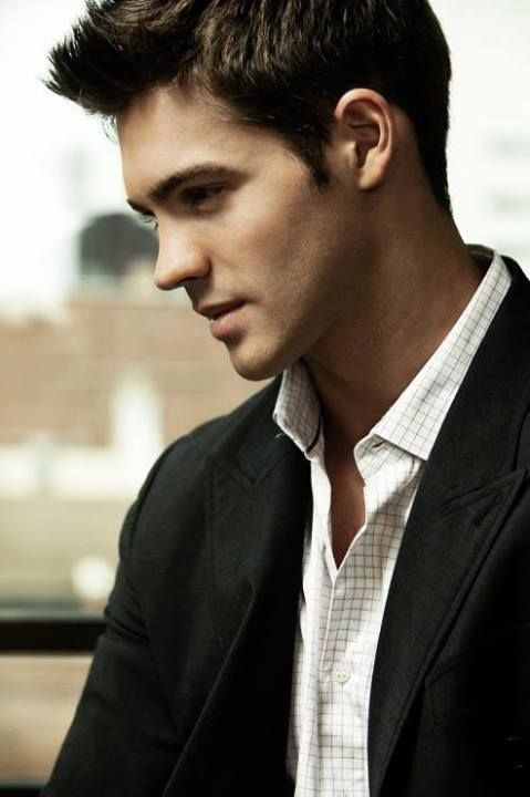 sexy and he knows it!  Steven R. McQueen. (Jeremy Gilbert)