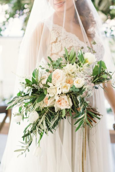 Peach and ivory bouquet: http://www.stylemepretty.com/little-black-book-blog/2015/01/15/ethereal-city-wedding-inspiration/ | Photography: Lauren Gabrielle - http://laurengabrielle.com/