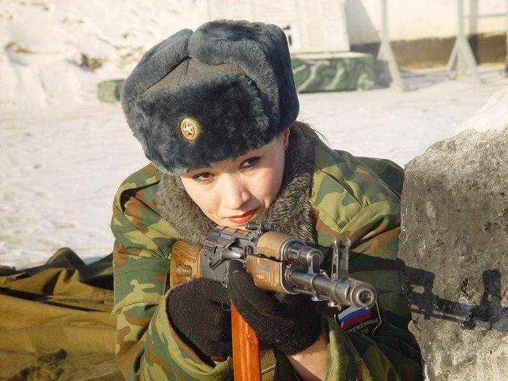 Fuerzas especiales Spetsnaz de Rusia: Moscú tiene batallones exclusivamente femeninos que están entrenados en tareas de inteligencia y reconocimiento, así como para liderar el asalto de las tropas extranjeras durante una incursión o invasión.