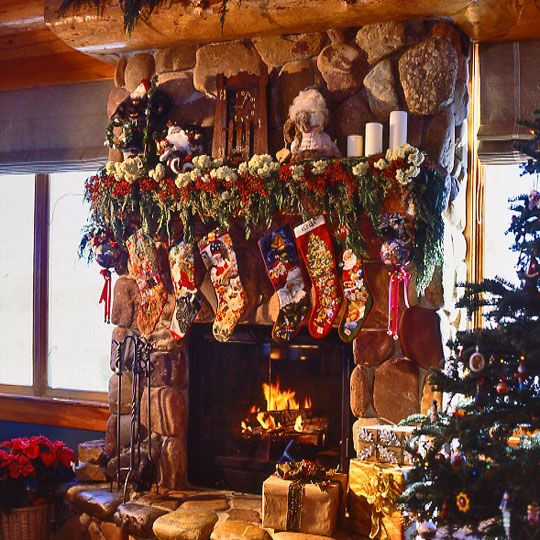 Country Christmas Mantels: 17 Best Ideas About Christmas Fireplace Mantels On