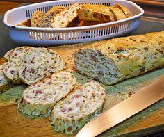 Zwiebel - Käse - Schinken Brot, ein schönes Rezept aus der Kategorie Brot und Brötchen. Bewertungen: 107. Durchschnitt: Ø 4,4.